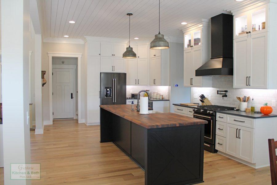 Kitchen Design With Island Pendants