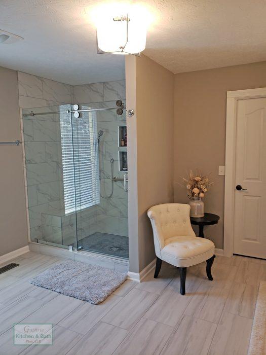 Bath Design With A Chair